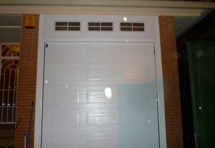 Puertas de garaje Miraflores de la Sierra