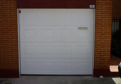 Puertas de garaje en Arroyomolinos