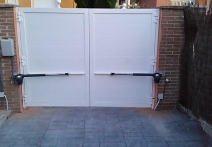 Puertas abatibles Valdetorres del Jarama