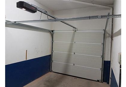 Puerta de garaje Velilla de San Antonio
