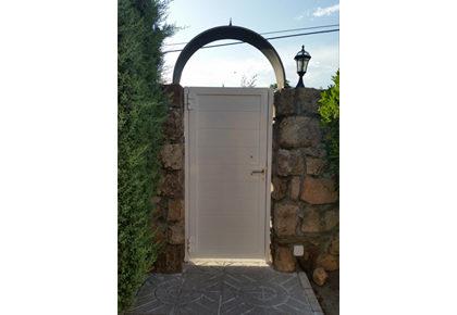 Puerta batiente Valdemorillo