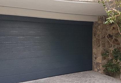 Puerta seccional en Valdemoro